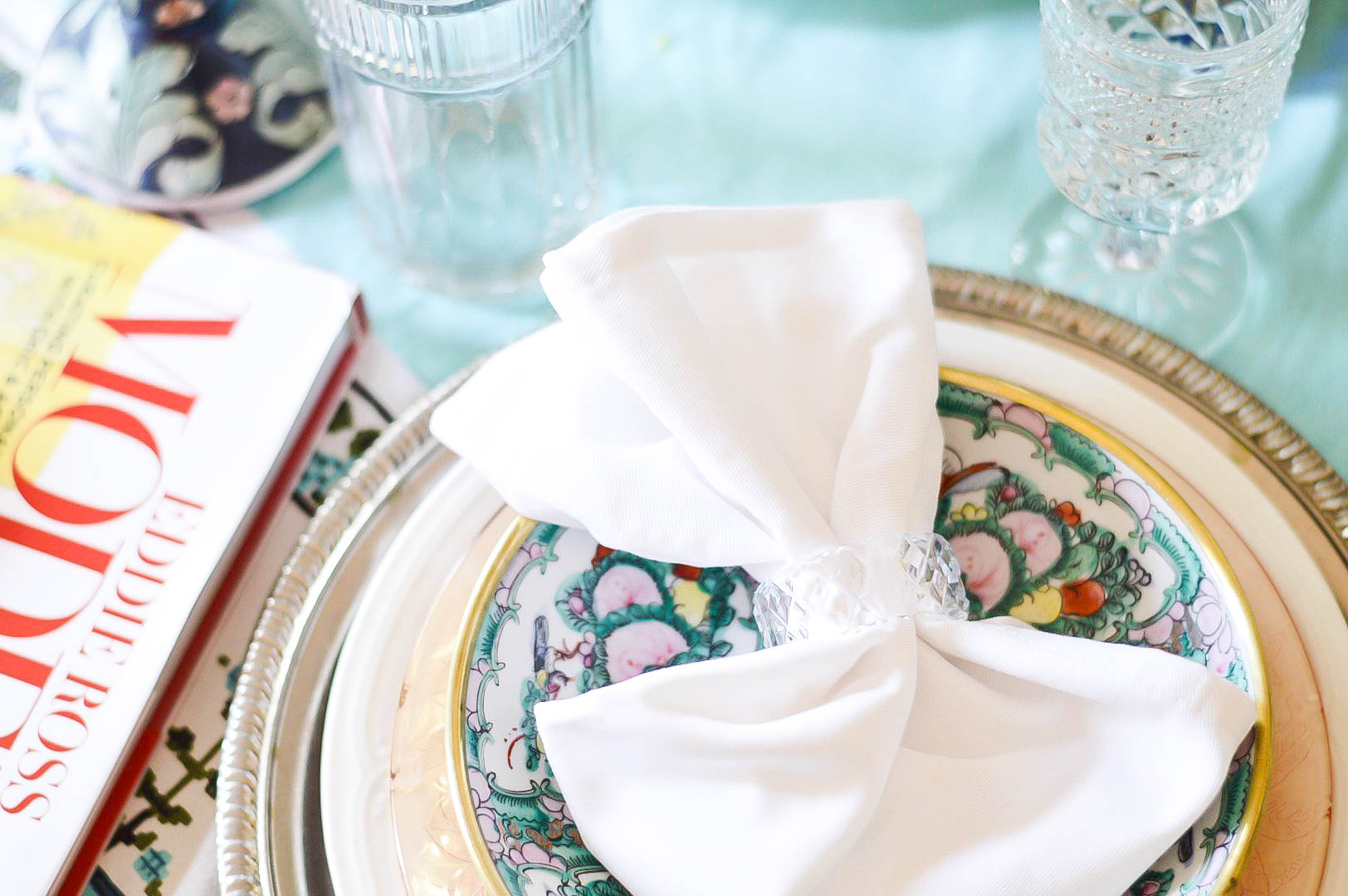 Eddie Ross | Spring Tablescape | Mix and Match table setting | Tablescape ideas | Thrifted tablescape | Inspired by DIY