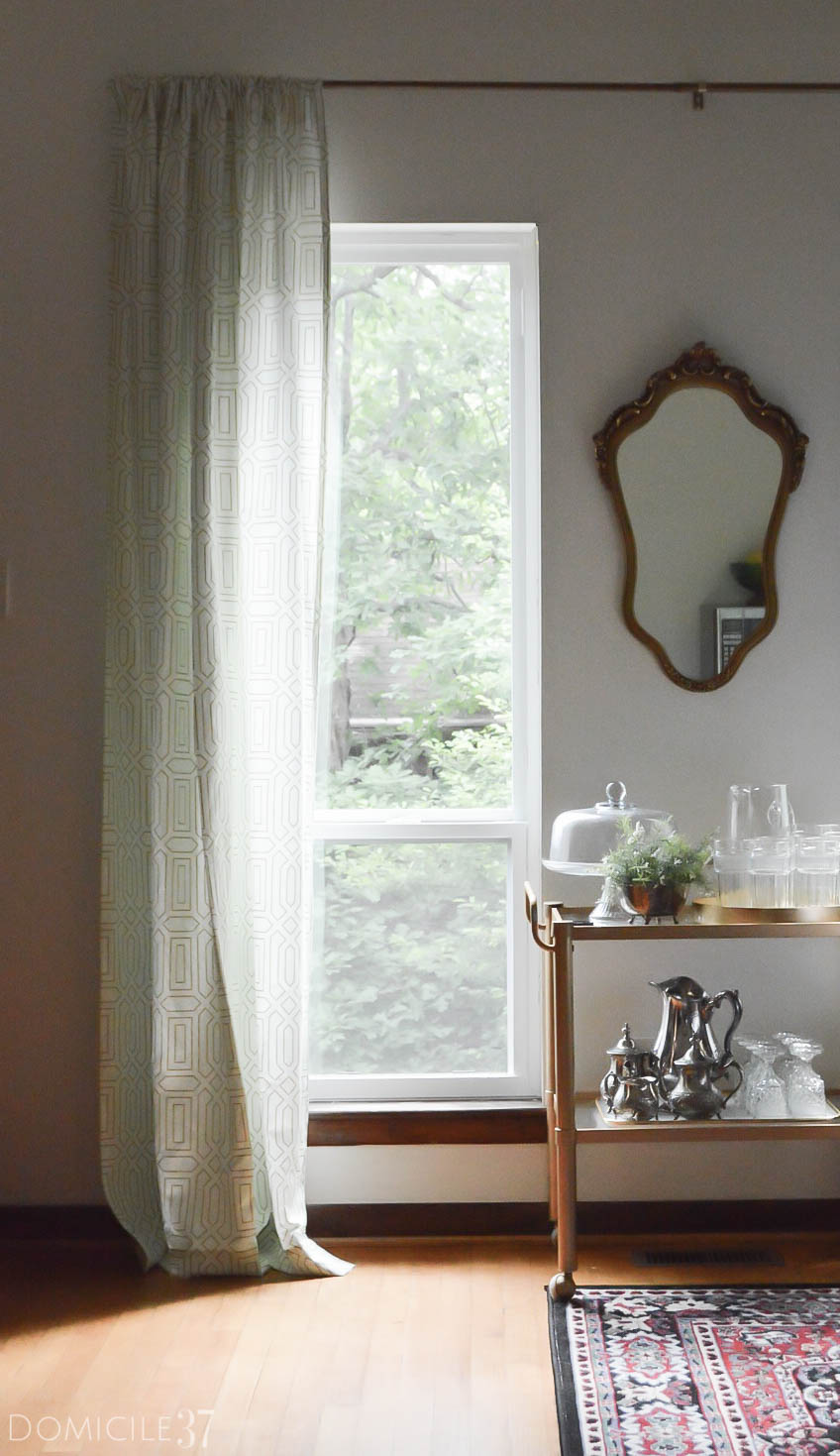 Vintage eclectic dining room | summer eclectic home tour | minted curtains
