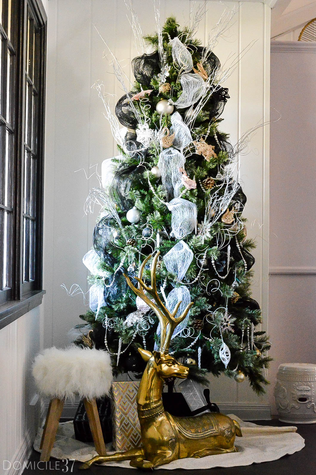 home-tour-christmas-tree-1