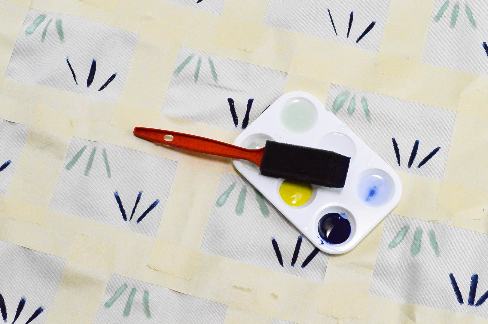 Painted upholstery fabric | creating a pattern using paint | Deco Art | MCM chair | Mid Century Modern | MCM painted chair | reupholstered chair | Simple patter