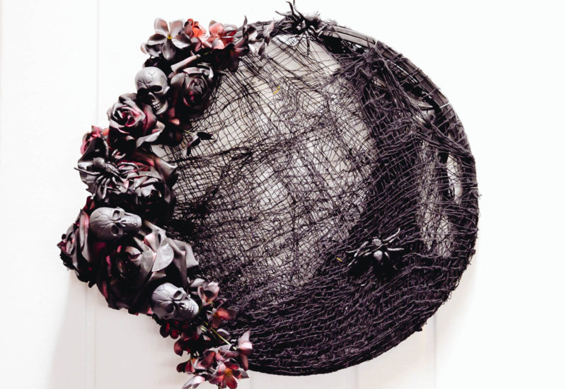Black roses Halloween wreath