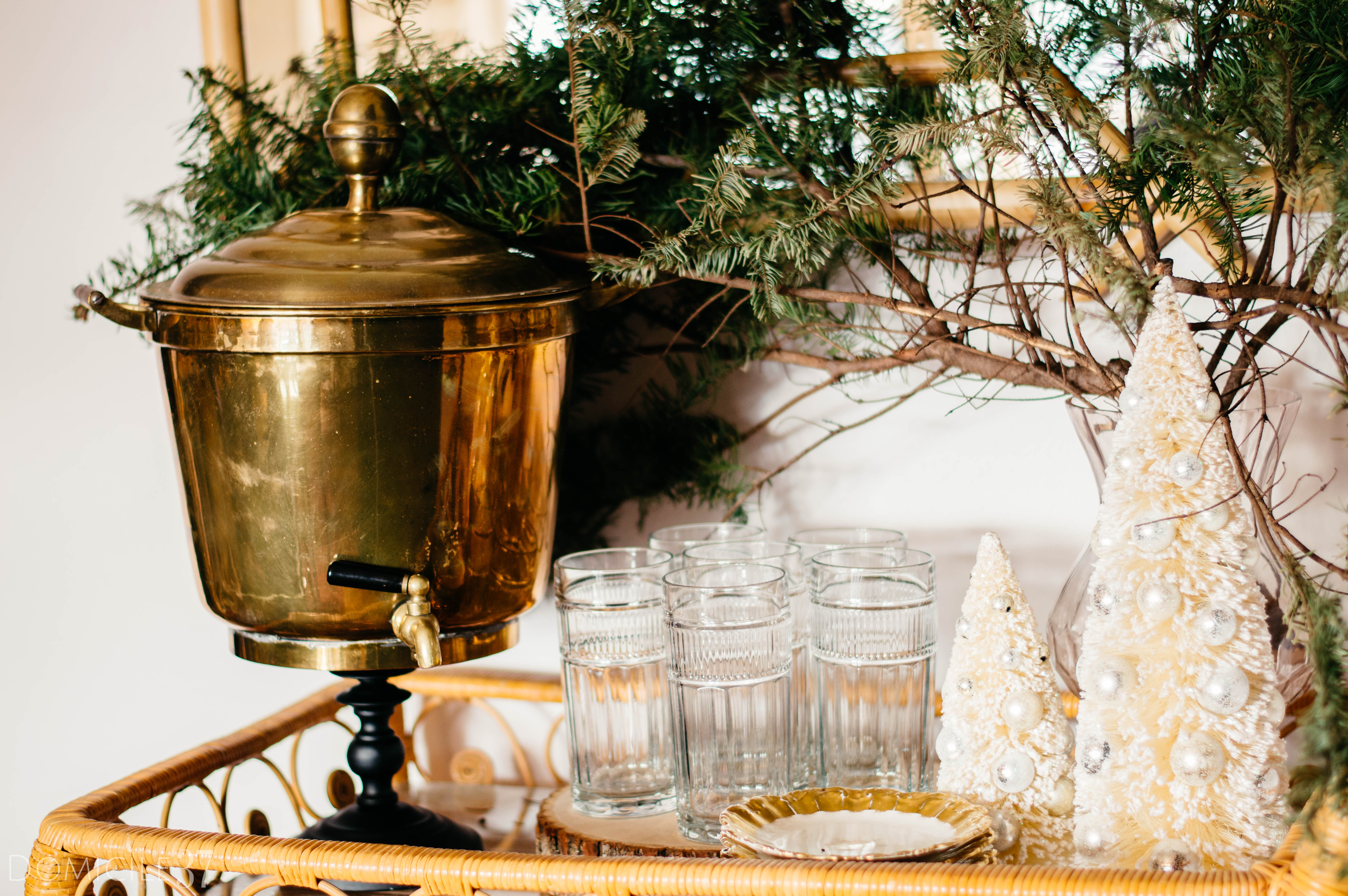 European inspired Christmas setting | Christmas tablescape idea | Orange tablescape | Christmas tablescape | chinoiserie Christmas