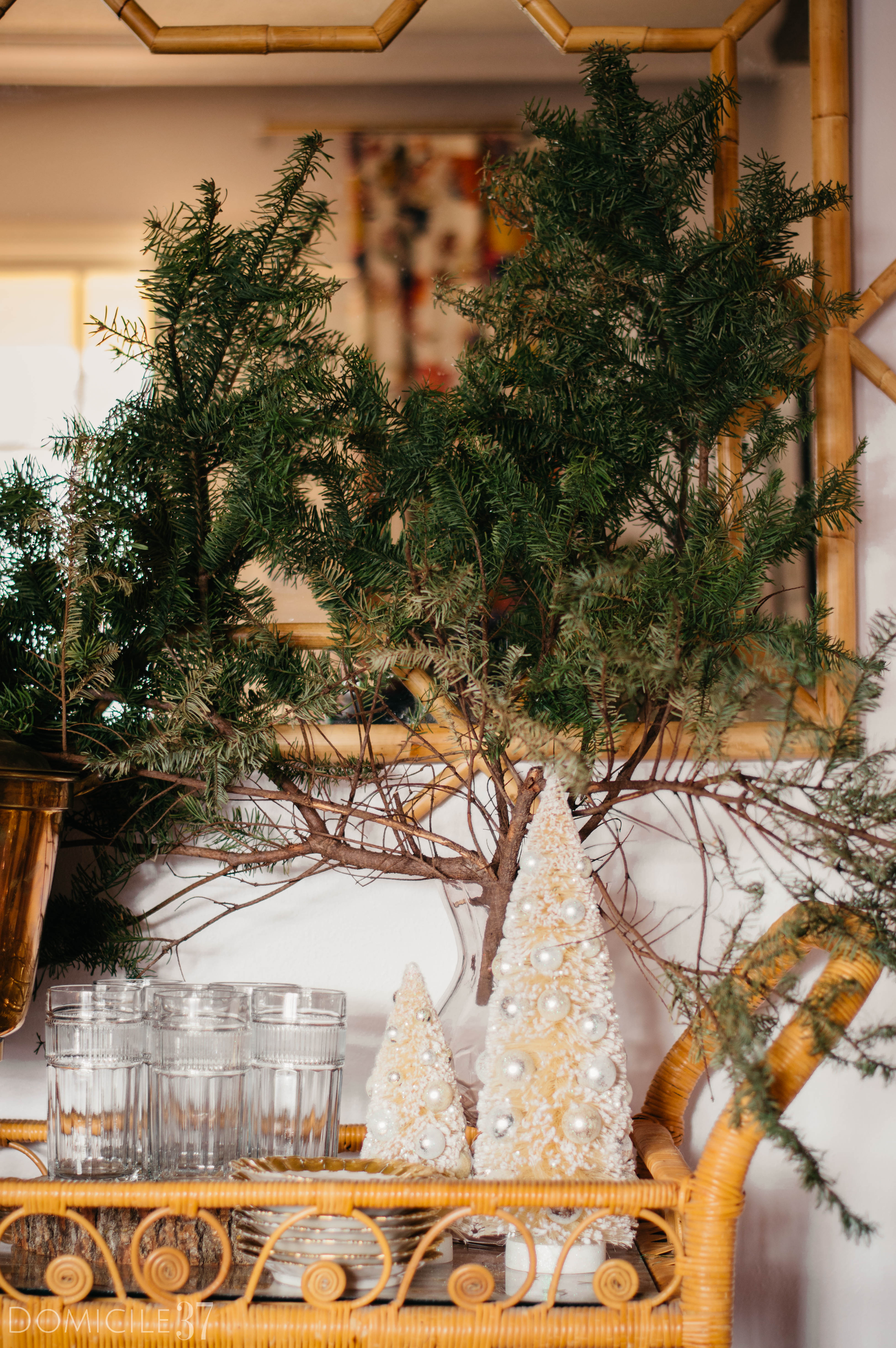European Christmas setting | Eclectic Christmas | Tablescape Ideas | Christmas Tablescape | Tasseled Chandelier | Mix and Match holiday tablescape