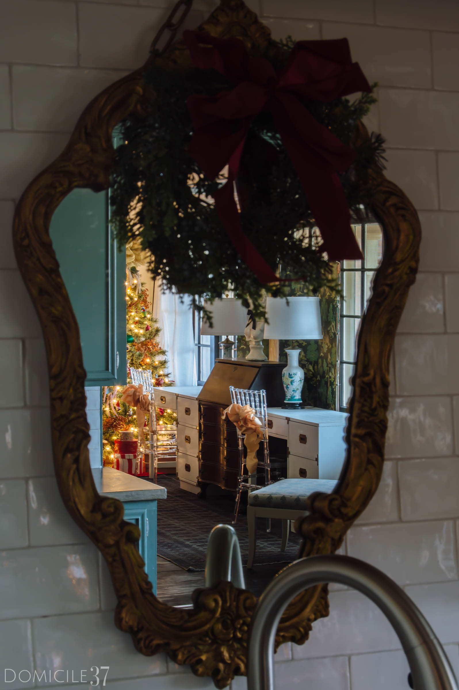 Mirrored Wreath, Christmas Decor in Kitchen,